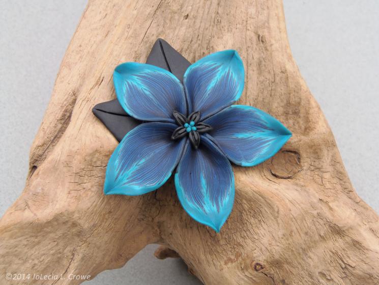Peacock flower pin
