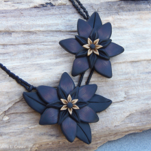 black_and_gold_flowers_wc.jpg
