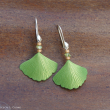 ginkgo_earrings_silver_peridot_wc.jpg